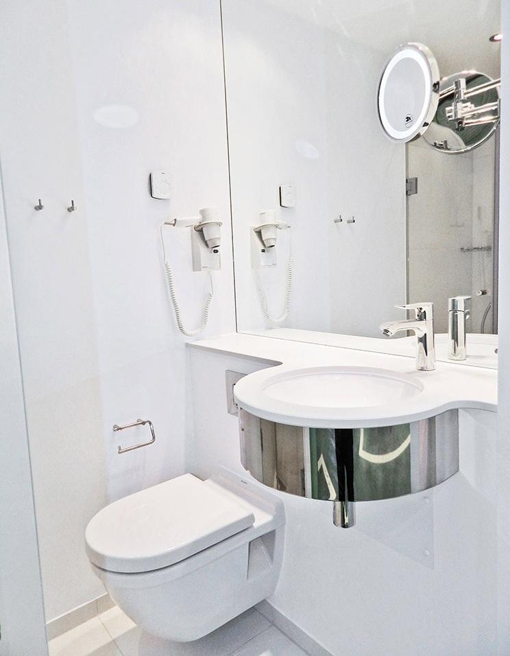 Coran bordplade og vask-Hotel Tivoli,- Aquatrend.dk